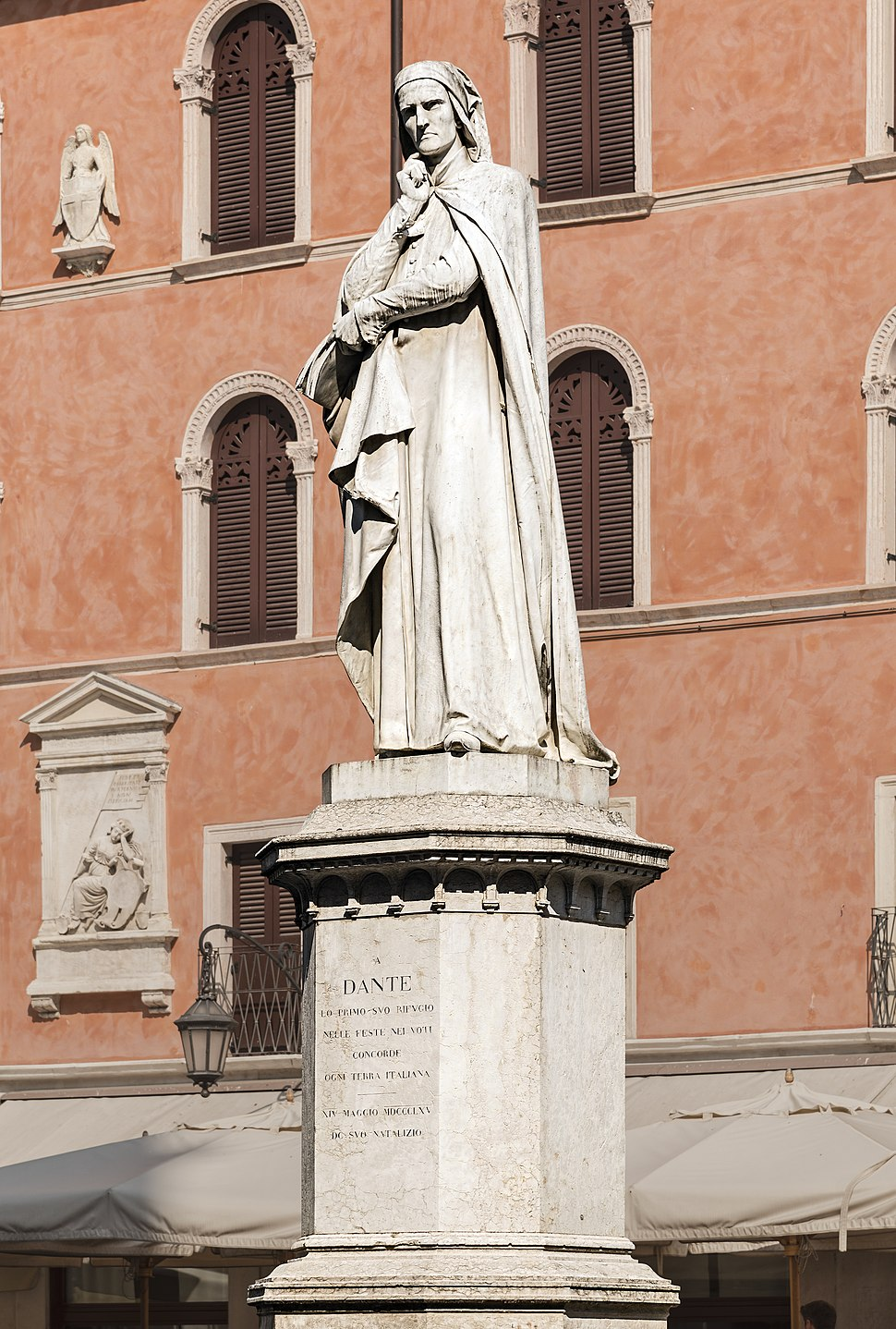 Monument to Dante (Verona)