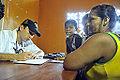 Moradores são atendimentos por profissionais de saúde na Escola Municipal Presidente Costa e Silva, em Paricatuba (AM) (8030647302).jpg