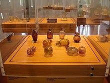 Esposizione di reperti romani presso il Museo del Vetro