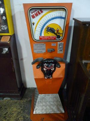 Strength tester machine - Image: Musée Mécanique 065
