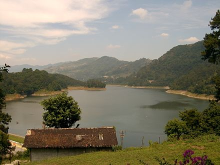Lake and mountains in Necaxa NECAXA.JPG