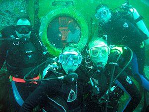 NEEMO 11 crew underwater.jpg