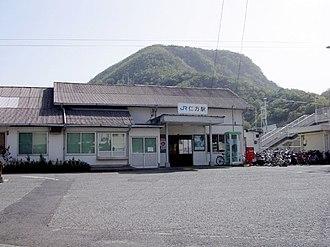 Nigata Station - Nigata Station building (April 22, 2005).