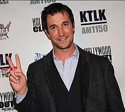 Noah Wyle Reminds Obama of His Promises for Peace.jpg