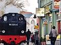 Nostalgische Dampfeisenbahn Molli zwischen Kühlungsborn und Bad Doberan beim Fotostudio Thüne - panoramio.jpg