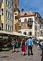 Obstmarkt Torgglhaus Bozen 2015.jpg