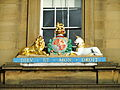 Old Customs House coat of arms, Newcastle upon Tyne, 16 September 2010.jpg