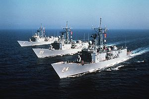 Oliver Hazard Perry-class frigates underway in 1982.JPEG