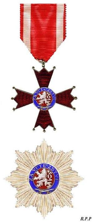 Military Order of the White Lion - Image: Orde van de Witte Leeuw voor de Overwinning 1945