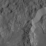 PIA20819-Ceres-DwarfPlanet-Dawn-4thMapOrbit-LAMO-image119-20160418.jpg
