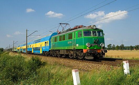 PKP EU07 between Stare Bojanowo and Górka Duchowna.jpg