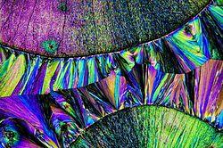 Paracetamol in polarisiertem Licht 3.jpg