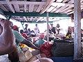 Passagers sur le Canal des pangalanes.jpg