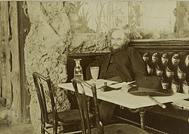 Paul Verlaine photographié par Dornac Musée Carnavalet de Paris.