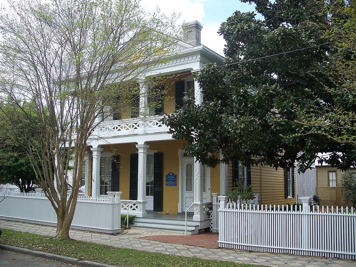 Clara barkley dorr house wikipedia for Clara house