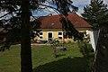 Pfarrhaus der kath. Filialkirche hll. Petrus und Paulus, Außerkasten bei Böheimkirchen 10.jpg
