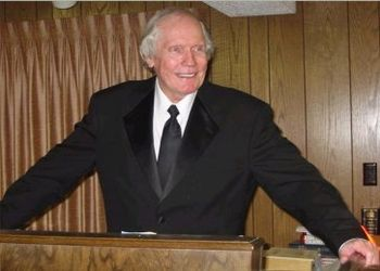 Fred Phelps at his pulpit: August 4, 2002 All ...