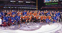 220px-Philadelphia_Flyers_and_New_York_Rangers_Alumni_Game_Group_Portrait Mark Messier Edmonton Oilers Mark Messier New York Rangers Vancouver Canucks