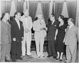 Paul Douglas - Douglas (3rd from left) in the Oval Office (1949)