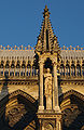 Pinacle Cathédrale de Reims 210608.jpg