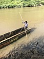 Pirogue dans la rivière Mpozo à Matadi.jpg