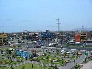 Los Olivos District - Image: Plaza de armas de los olivos ,Lima ,Perú