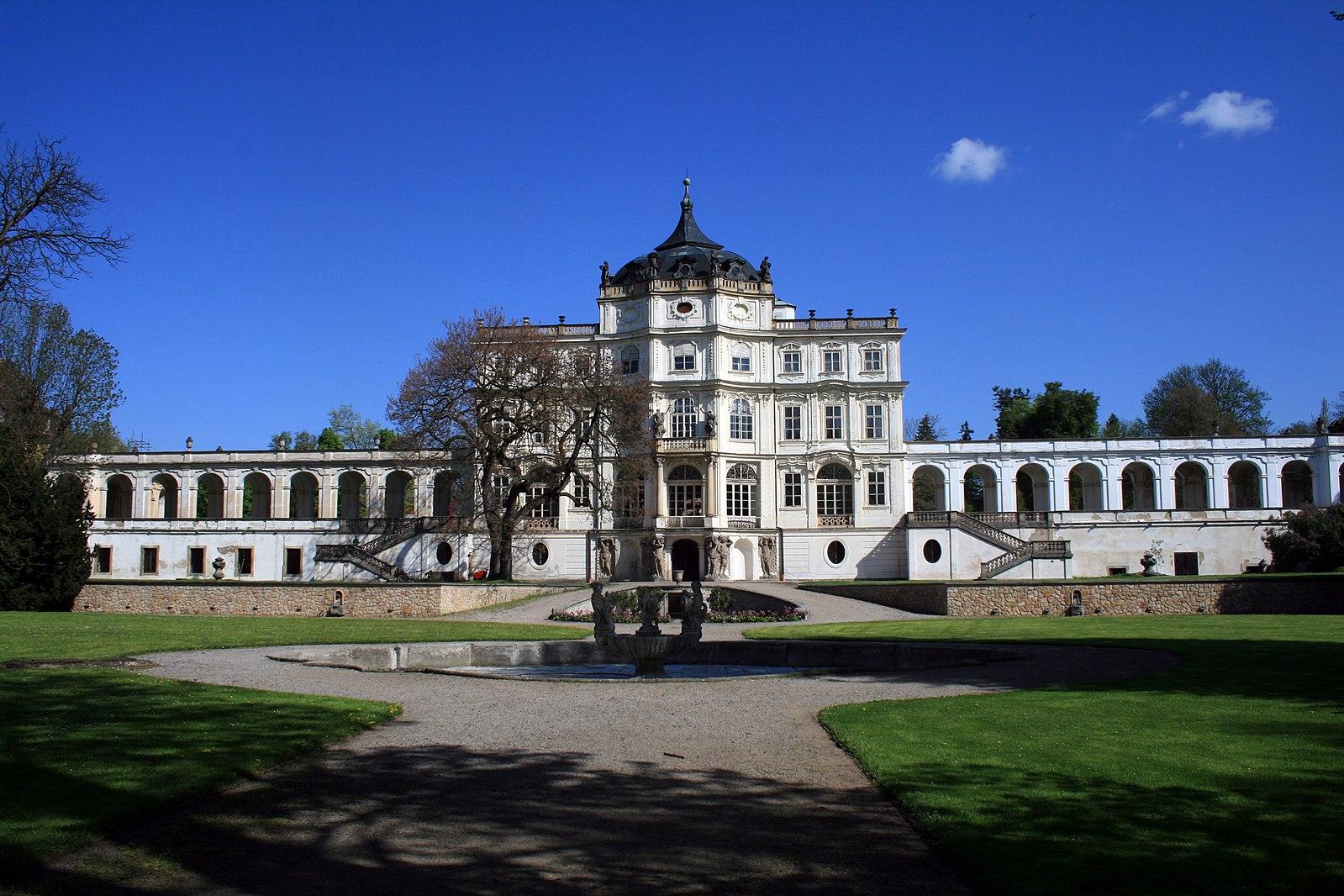 The palace of Ploskovice