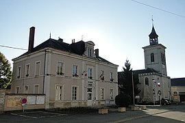 The town hall and church of Saint-Pierre and Saint-Paul