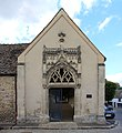 Porte Cimetière Montfort Amaury 1.jpg