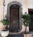 Porte ancienne de Gassin, dont le linteau porte la date de 1422.jpg