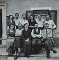 Pred Valentinovo hišo okrog 1920.jpg
