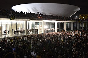"2013 protests in Brazil - Protesters on Congresso Nacional, ""The House of the People"" in Brasília, June 17."