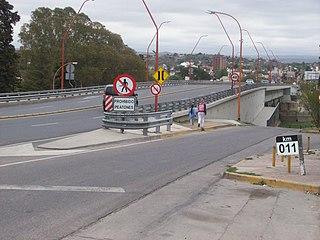 Puente Avenida Uruguay en Villa Carlos Paz.JPG