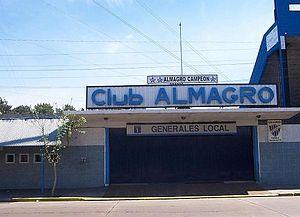 Estadio Almagro - Image: Puerta estadiob