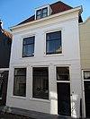 foto van Huis met schilddak en lijstgevel, gepleisterd