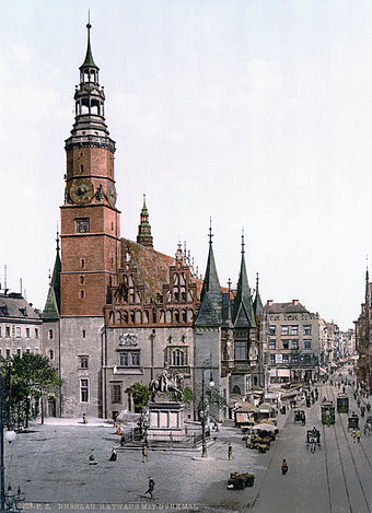 https://upload.wikimedia.org/wikipedia/commons/thumb/4/4b/Rathaus_Breslau_1900.jpg/340px-Rathaus_Breslau_1900.jpg