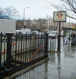 Regents Park tube station.jpg