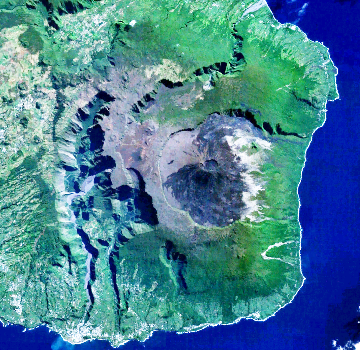 a report on piton de la fournaise and piton des neiges The piton des neiges is the highest point on the island and in the indian ocean at 10069 feet (3072 meters) above sea level, is west of piton de la fournaise volcano.