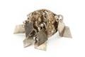 Ring med gjutna beslagsornament och åtta rombiska hängen - Skoklosters slott - 92285.tif