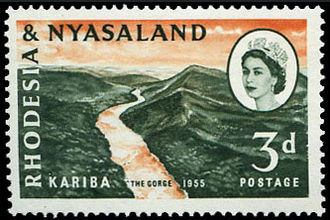 Stamp with portrait of Queen Elizabeth II, 1955 Rodesia e Niassalandia 32.jpg