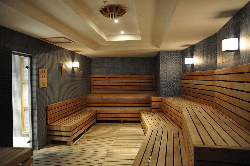 Sauna dans le Rudas Furdo (bains en hongrois) à Budapest - Photo de Christo.