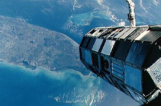 STS-41-C - Image: STS 41 C LDEF deploy small