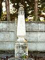 Saint-Denis-sur-Ouanne-FR-89-sépulture de soldat-04.jpg