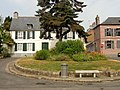 Saint-Valery-sur-Somme (80), place du maréchal Joffre, vue vers l'ouest 2.jpg