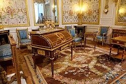 Salle Marie-Antoinette (Louvre) D141224.jpg