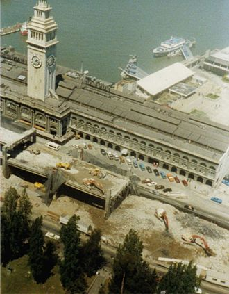 California State Route 480 - Section of the Embarcadero Freeway in front of the Ferry Building during demolition (May 1991)