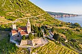 Sankt Nikoluas Kirche in Komiza, Kroatien (48608322133).jpg