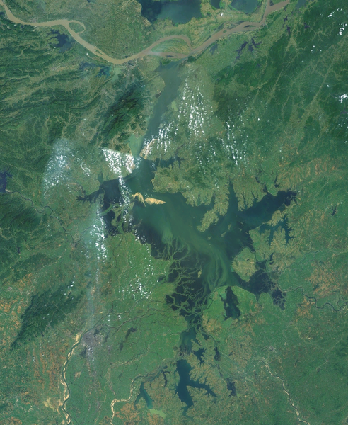 ファイル:Satelites image of Lake Poyang.png