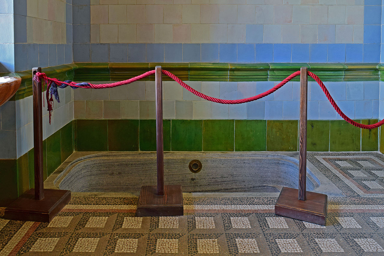 file:schloss grafenegg - badezimmer - badewanne - wikimedia, Badezimmer ideen