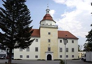 Schloss_Sonnberg_Westfassade.jpg